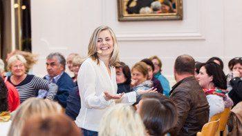 Dr. Verena Thiem hält Vortrag zu Führungskräfte Coaching