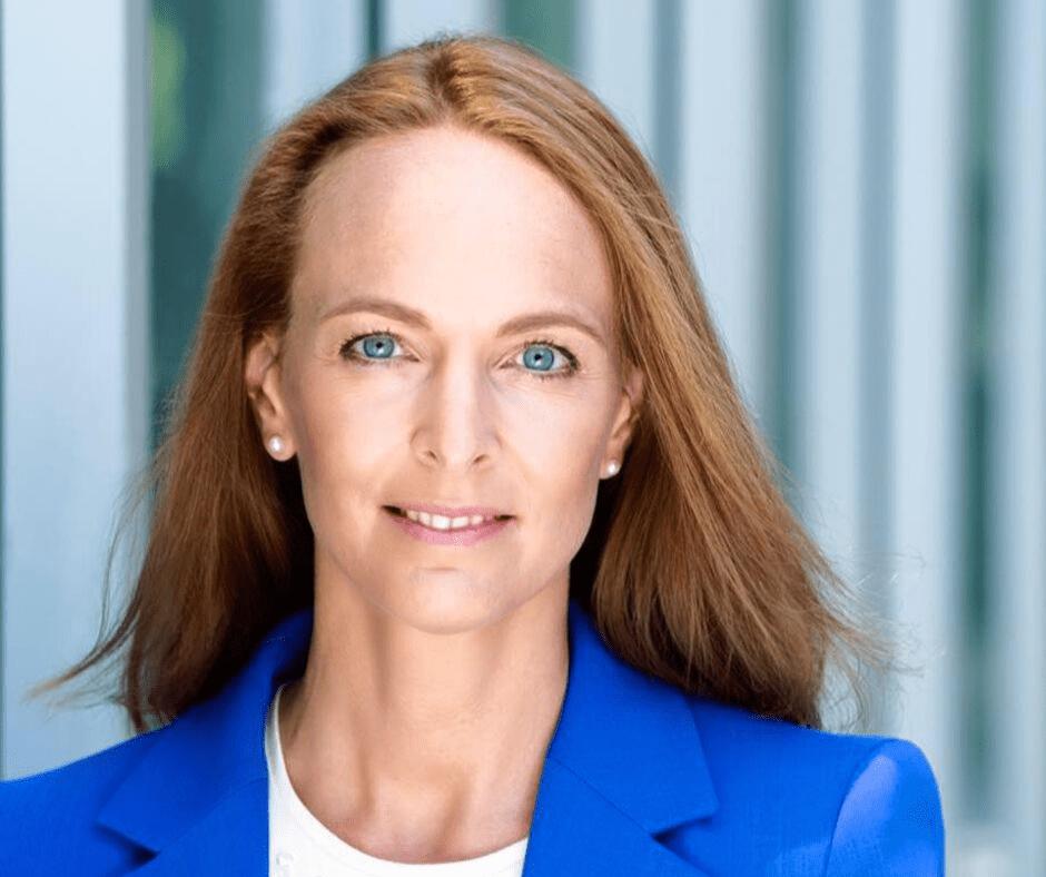 Vorstand Ergo Versicherung Ursula Deschka Testimonial